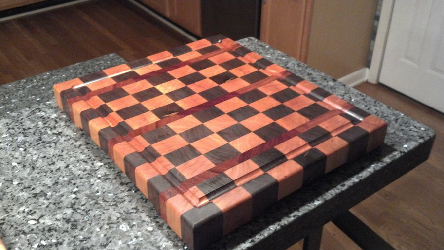 Diy checkerboard cutting board plans free for Puzzle cutting board plans